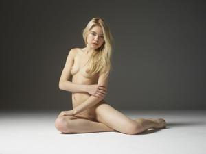 Margot - Young Spirit [Zip]x57q45u57d.jpg